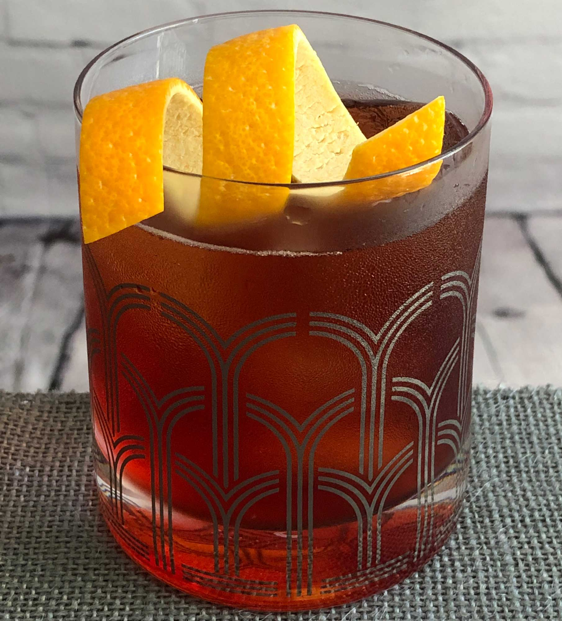 An example of the Chin-Chin, the mixed drink (cocktail) featuring Aperitivo Cappelletti, tonic water, and Cocchi Barolo Chinato; photo by Lee Edwards