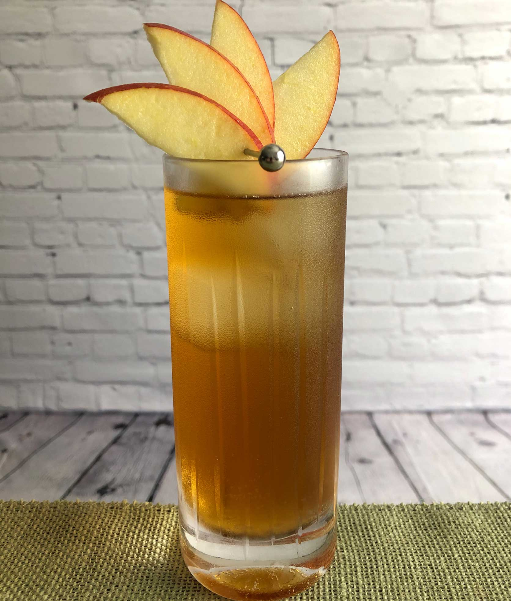 An example of the Picket Fence, the mixed drink (cocktail) featuring Cardamaro Vino Amaro, sweet cider, and ginger beer; photo by Lee Edwards