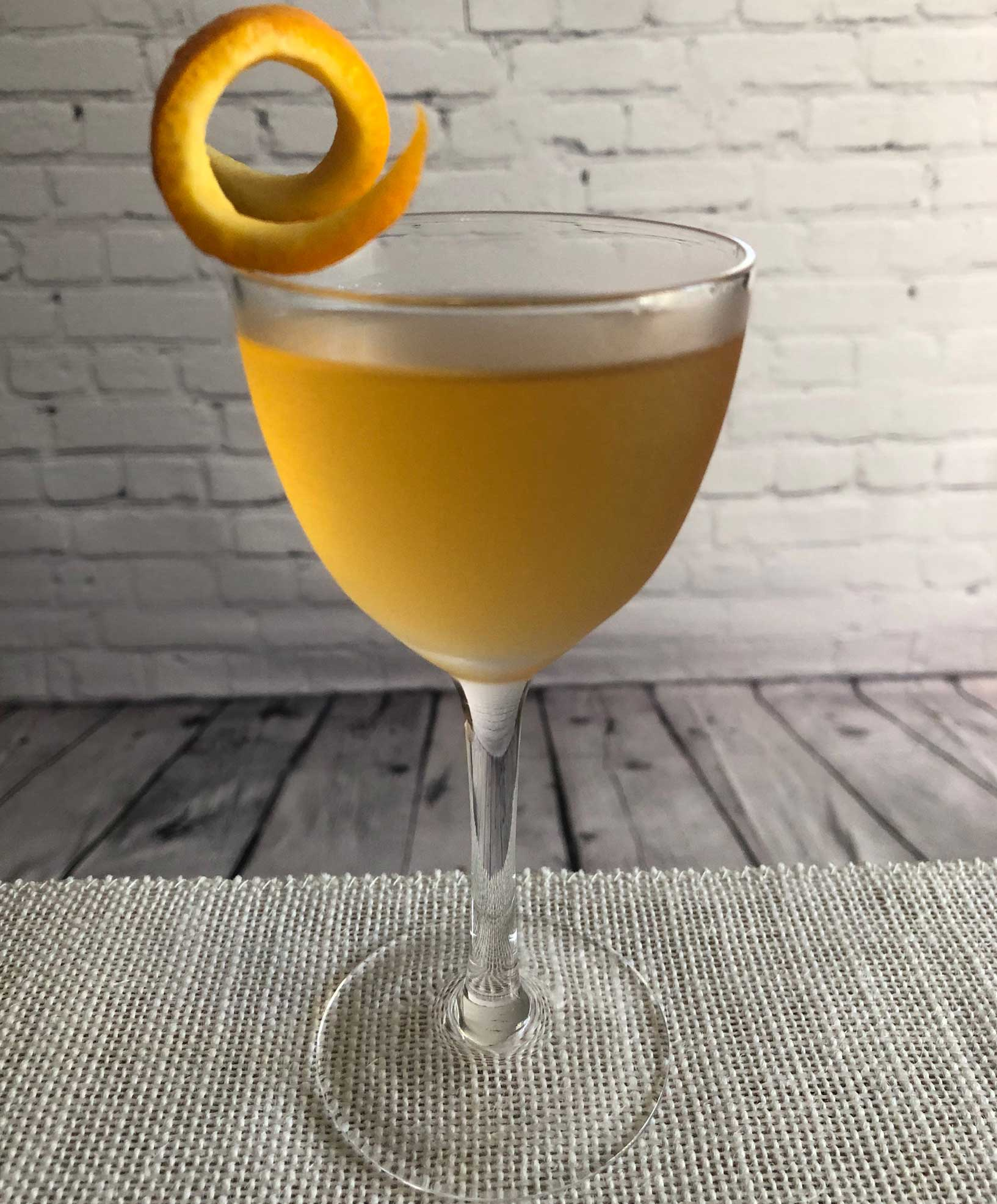 An example of the Brainstorm, the mixed drink (cocktail) featuring irish whiskey, Dolin Dry Vermouth de Chambéry, and Bénédictine; photo by Lee Edwards