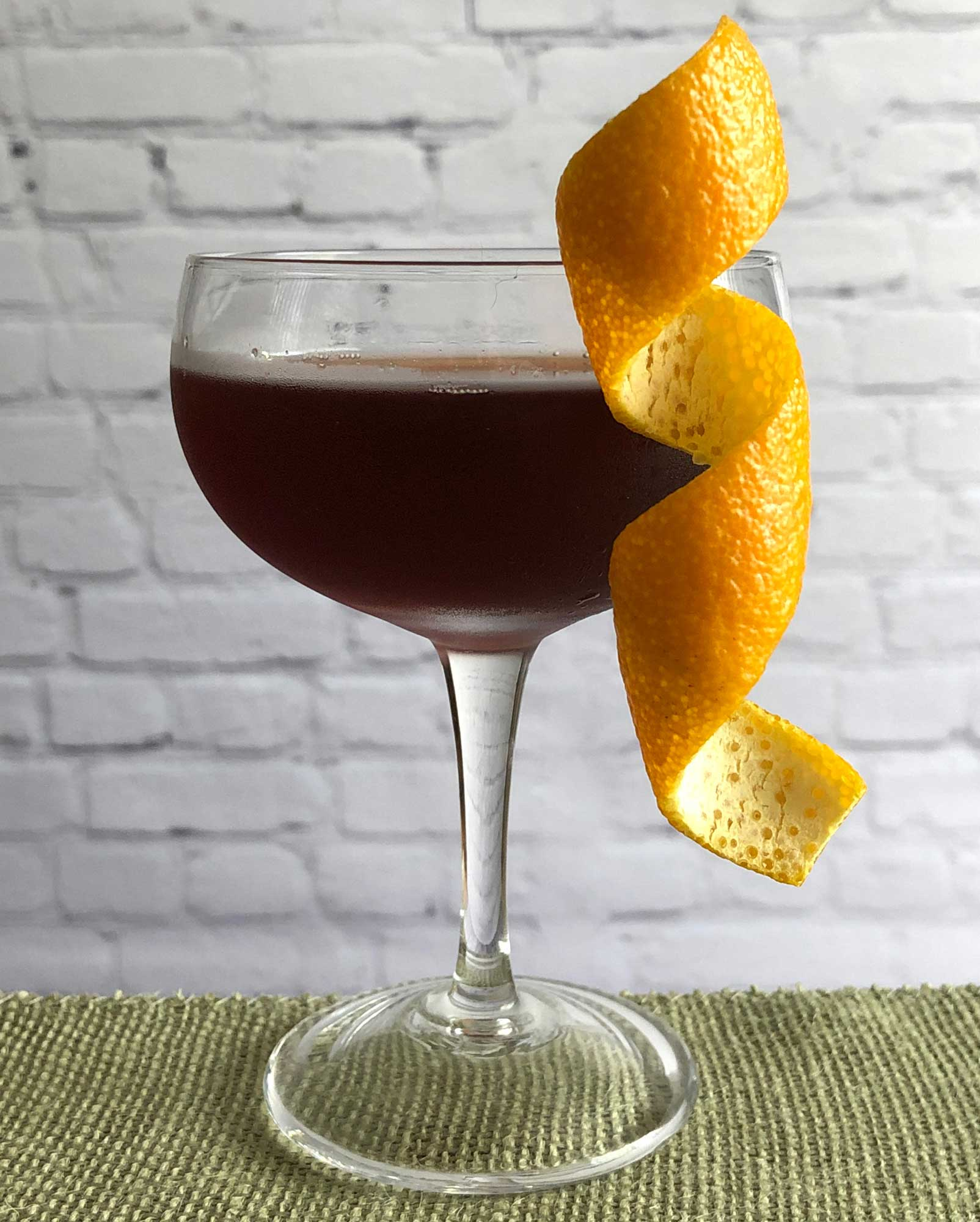 An example of the Cliffhanger, the mixed drink (cocktail) featuring Dolin Dry Vermouth de Chambéry, and Banyuls; photo by Lee Edwards