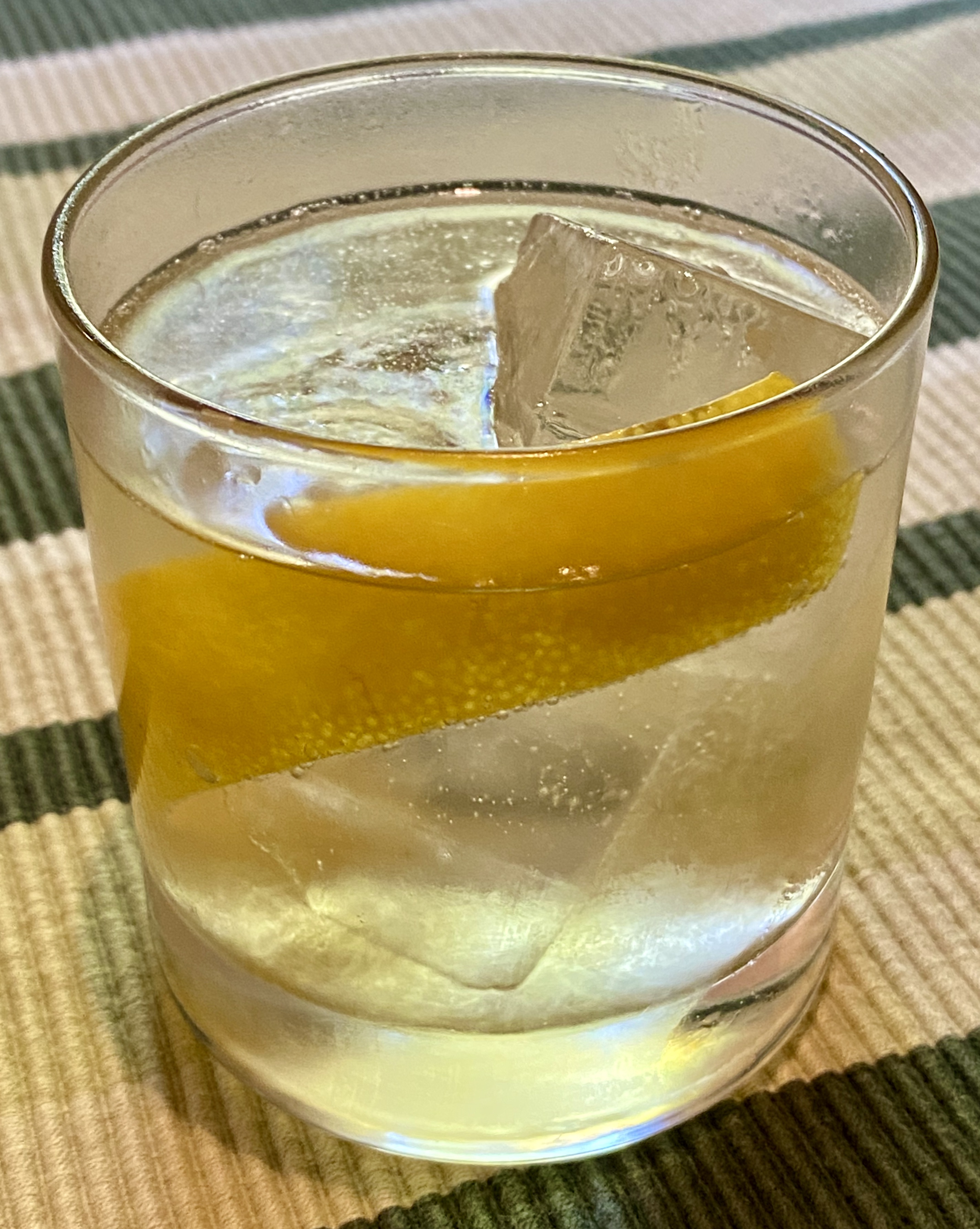 An example of the Mattei Blanc Spritz, the mixed drink (cocktail) featuring Mattei Cap Corse Blanc Quinquina, and soda water or tonic water; photo by Martin Doudoroff