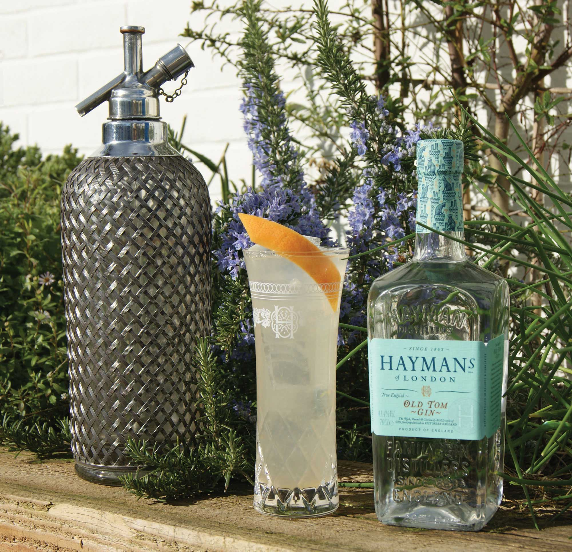 An example of the Grapefruit Spritz, the mixed drink (cocktail) featuring Hayman's Old Tom Gin, grapefruit juice, and soda water; photo by Hayman's of London