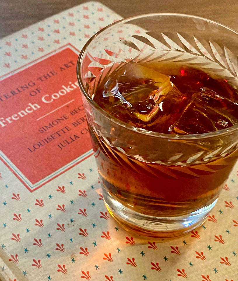 An example of the Dreyfus, the mixed drink (cocktail) featuring Mattei Cap Corse Blanc Quinquina, Mattei Cap Corse Rouge Quinquina, Angostura bitters, and orange bitters; photo by Martin Doudoroff
